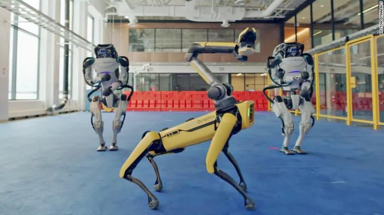 """Roboty z Boston Dynamics tańczą do piosenki """"Do you love me"""""""