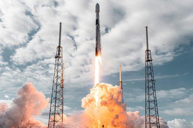 SpaceX wypuścił do kosmosu rekordową ilość 143 satelit