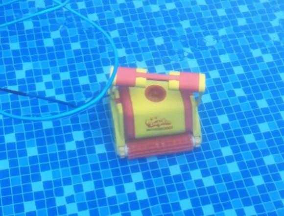 Funkcje odkurzacza basenowego Dolphin 3001