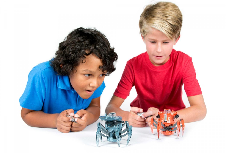 Przedstawiamy robota zabawkę HEXBUG Bojowy pająk 2.0