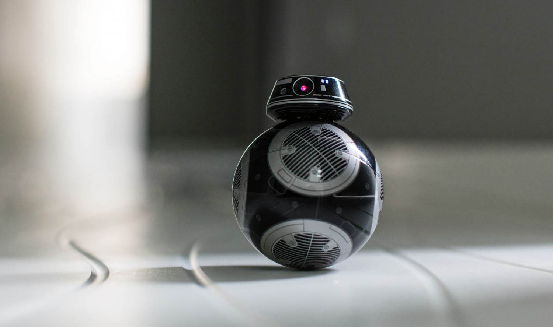 Poznaj się z BB-9E - droidem sterowanym aplikacją