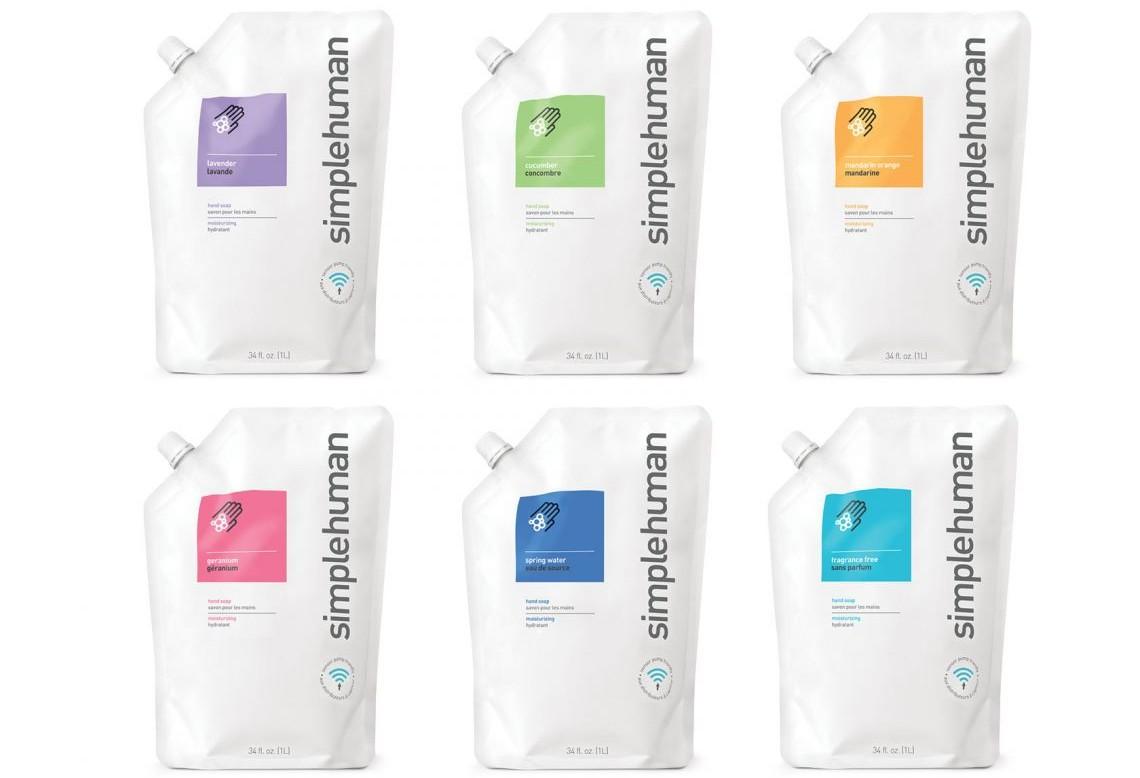 Prezentacja mydła w płynie Simplehuman o aromacie mandarynki