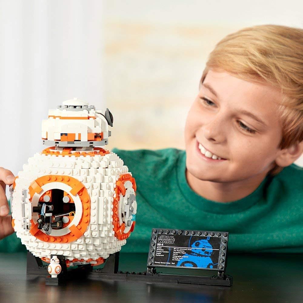 Prezentacja zestawu LEGO Star Wars 75187 BB-8