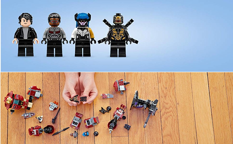 Cztery minifigurki z dużą ilością sprzętu wojskowego