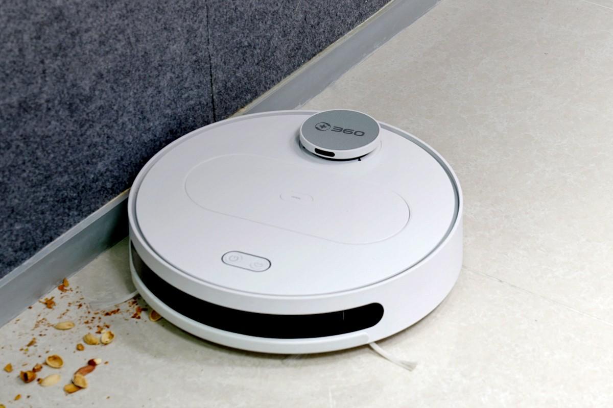 Prezentacja odkurzacza automatycznego 360 S6