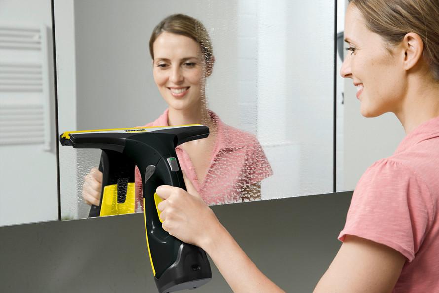 Prezentacja myjki do okien Kärcher WV 2 Premium Black Edition