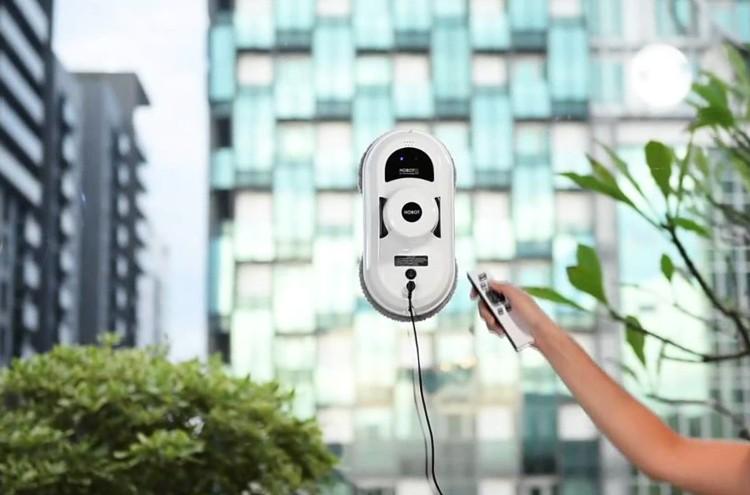 Elegancki i prosty robot do mycia okien i szkła