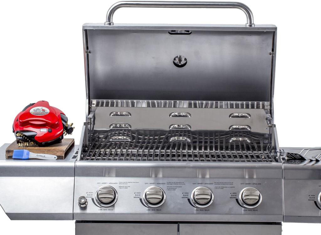 Grillbot wyszoruje brud z grilla